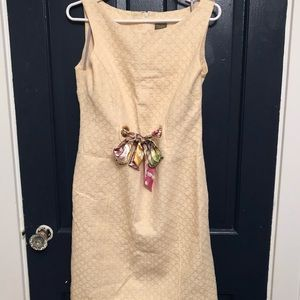 Taylor dress size 8 adorable cream with bow detail